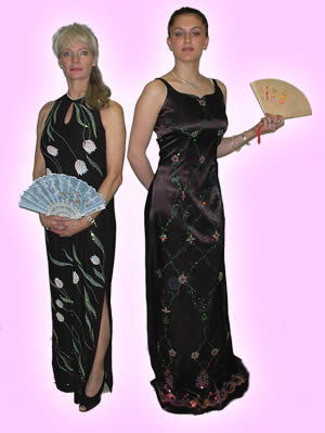 Chinese Dresses:  model tandem 1