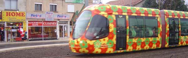 Tramway II fleuri vous déposera devant Asia Home™ depuis le samedi 16/12/2006.
